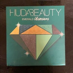 Gently used Huda Beauty Emerald obsessions palette